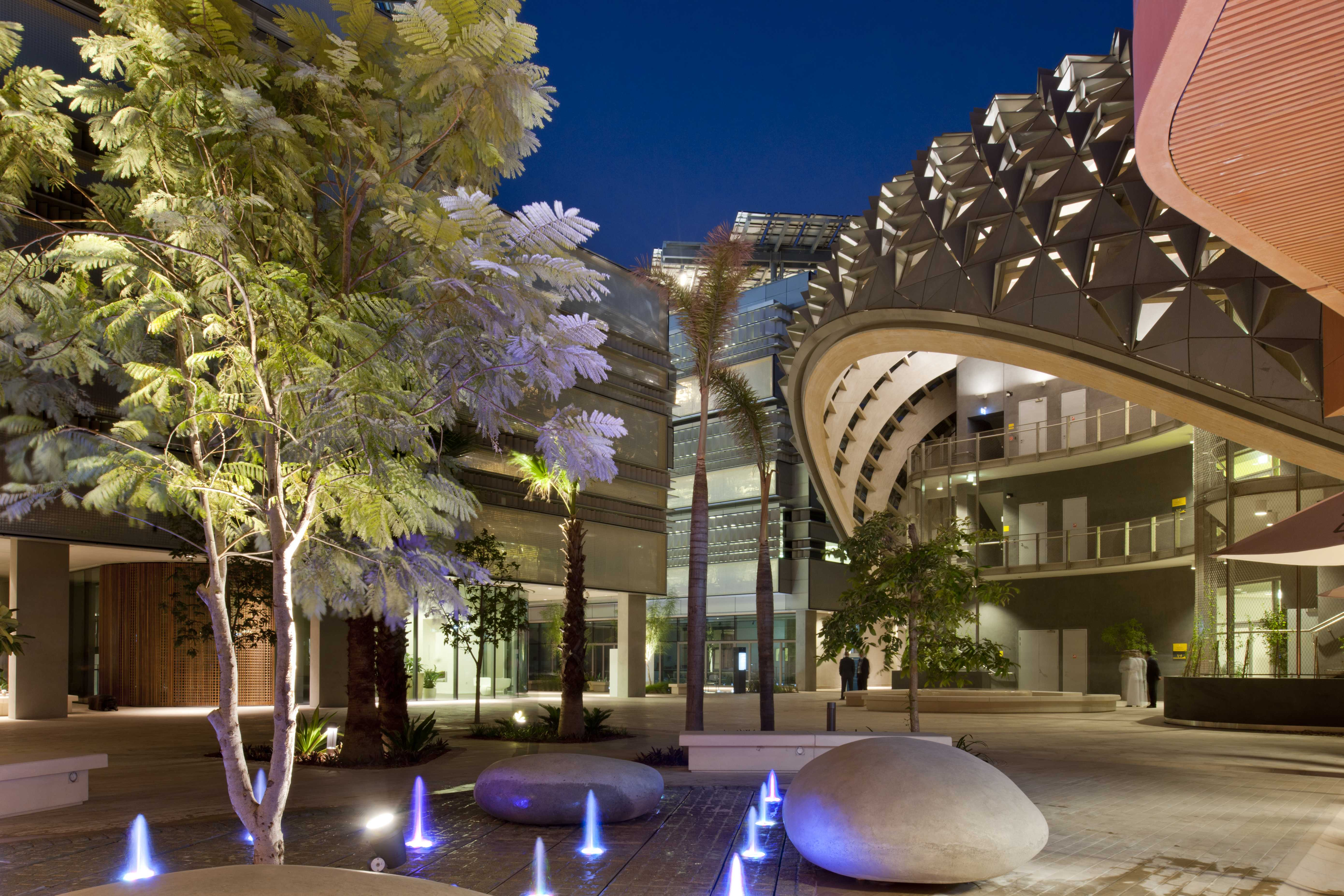 2.Masdar Institute Librairy Foster and partners
